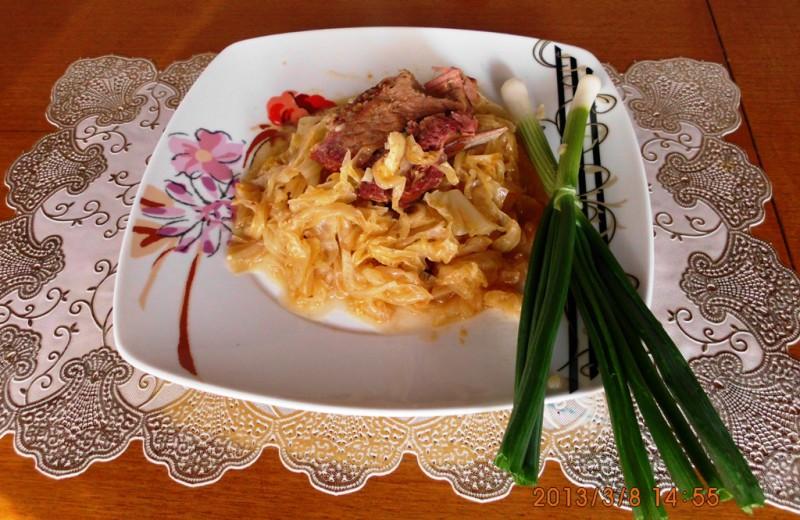 Кисела зелка со сушено месо