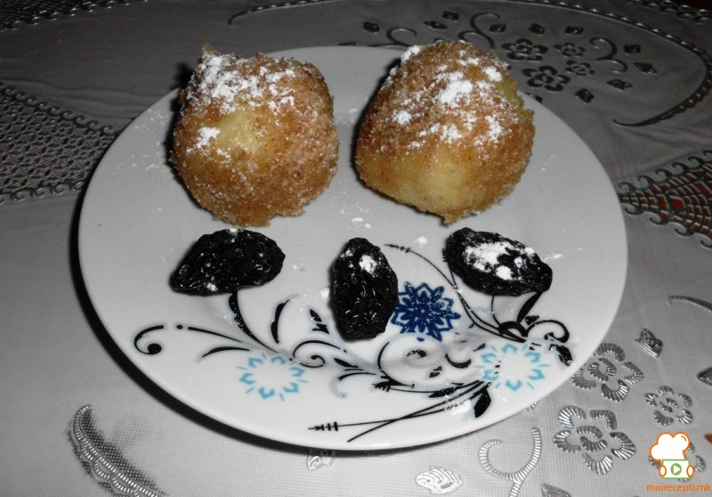 Кнедли од компир со овошје или мармалад (џем)