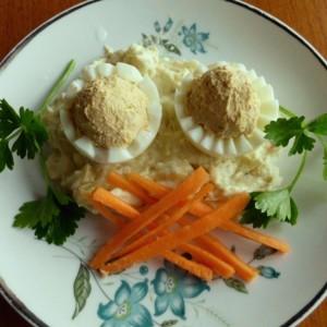 Полнети варени јајца со сардина