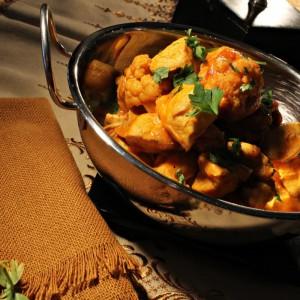 Кари од пилешко месо и карфиол