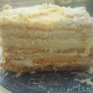 Торта со два фила и бисквити