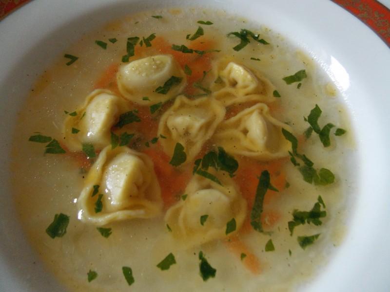 Супа од тортелини и морков