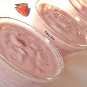 Овошен пудинг со јогурт