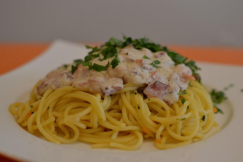 Шпагети со сланина