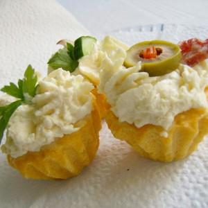 Солени корпиња со Урнебес салата