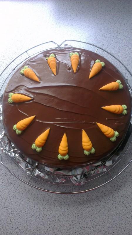 Велигденски колач со моркови
