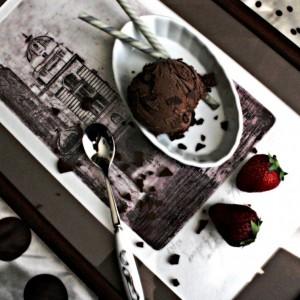 Кремаст сладолед од чоколадо