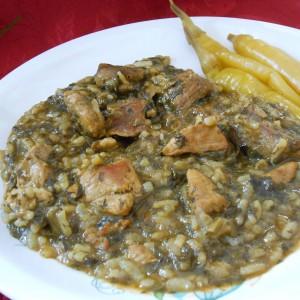 Тавче со штавел, ориз и месо