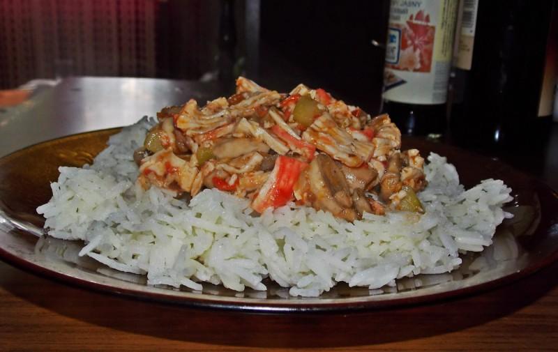 Басмати ориз со зеленчук и сурими