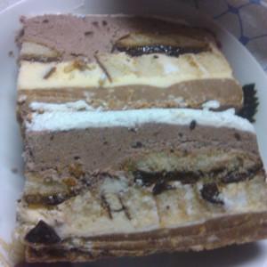 Бајадера торта со ресани и бисквити