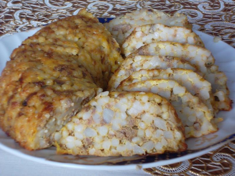Куглоф со кус кус и мелено месо
