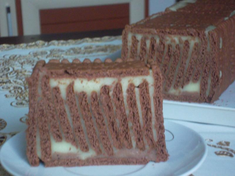 Вертикална бисквит торта