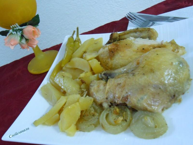 Печено пиле со компири
