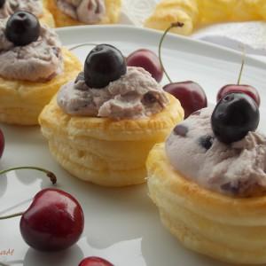 Лиснат десерт со цреши