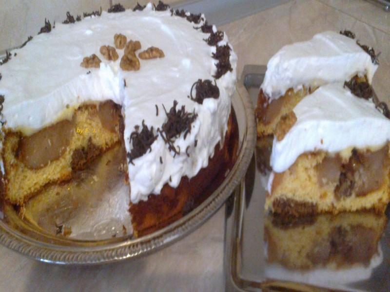 Торта со полнети печени јаболка