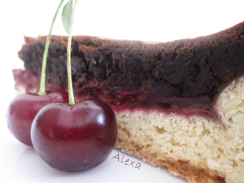 Чоколаден тарт со вишни
