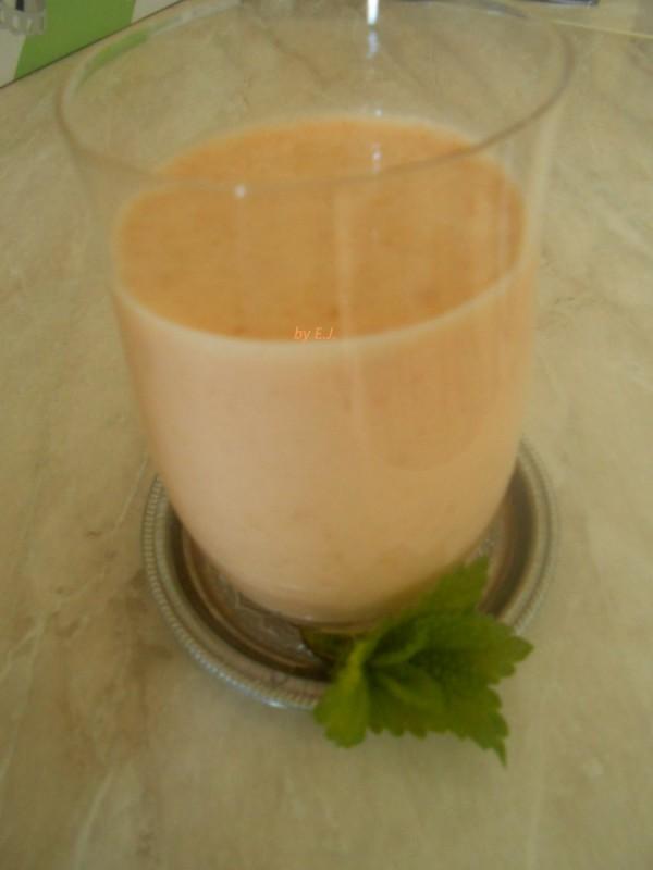 Освежителен млечен напиток