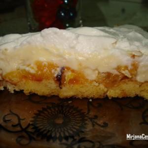 Торта со праски