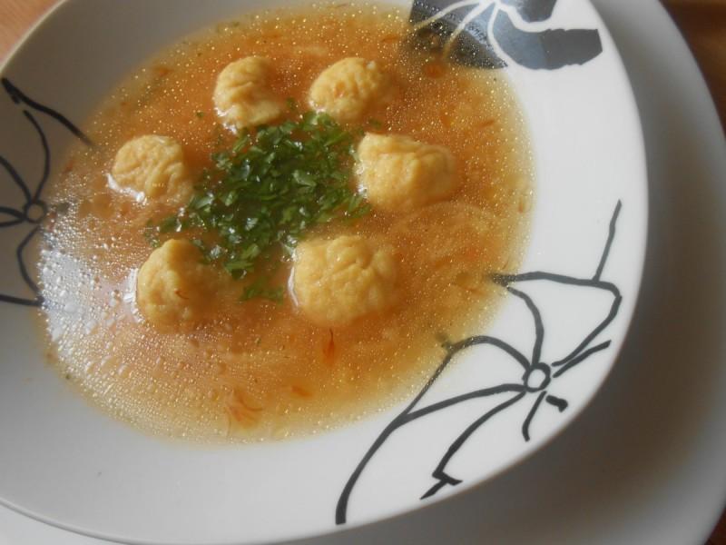 Доматна супа со кнедли
