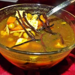 Мисо супа со тофу и хиџики алги