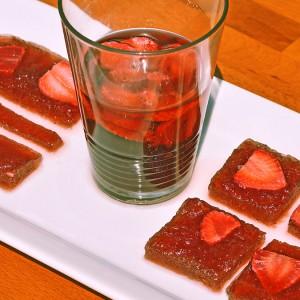Видео рецепт: Желе од јагоди во чаша