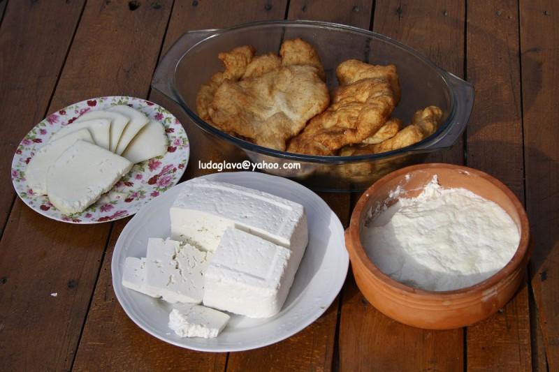 Традиционално домашно сирење