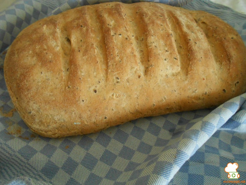Рустичен леб со лен и маслинки