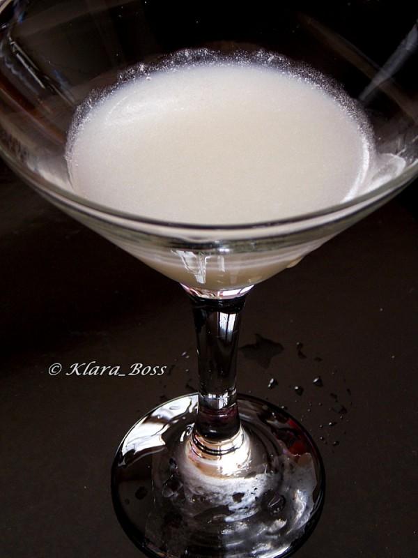 Ликер од кокос со кокосово млеко