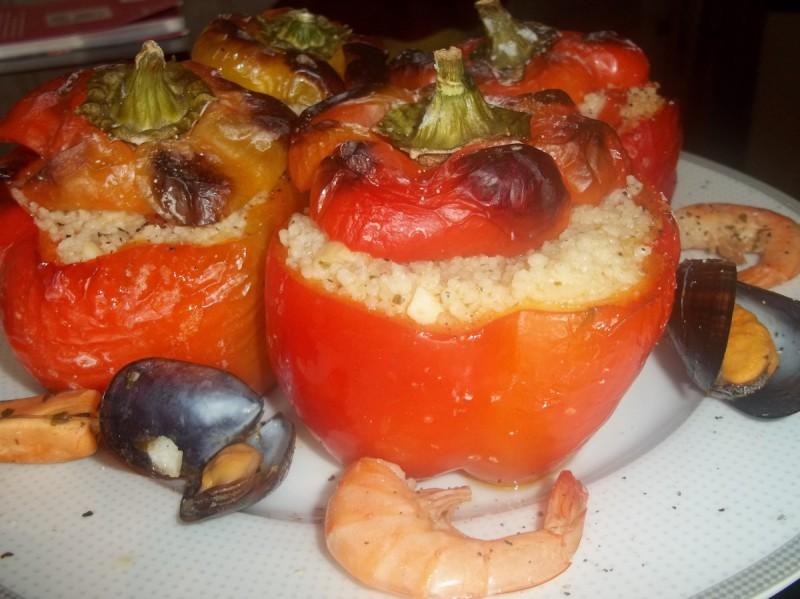 Кускус со морски плодови во пиперки