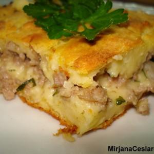 Пита од компири со мелено месо