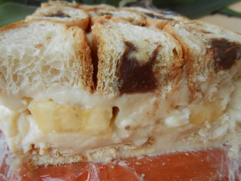 Брз и едноставен кроасан десерт