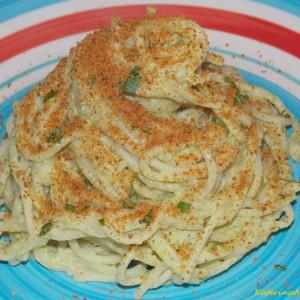 Шпагети со сос од брокула