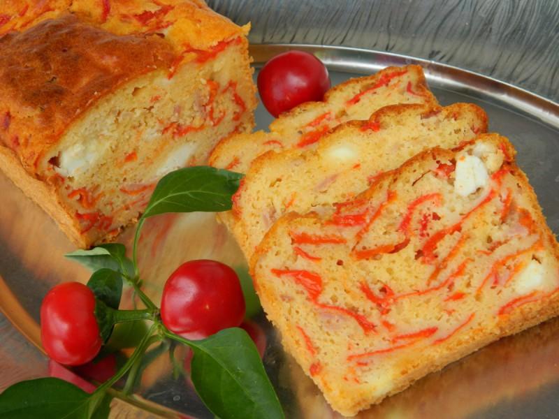 Солен колач со пиперки и сирење