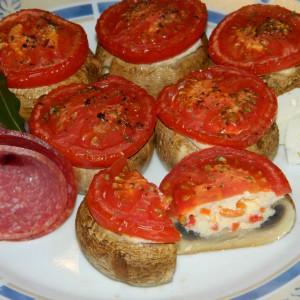 Полнети печурки со сирење