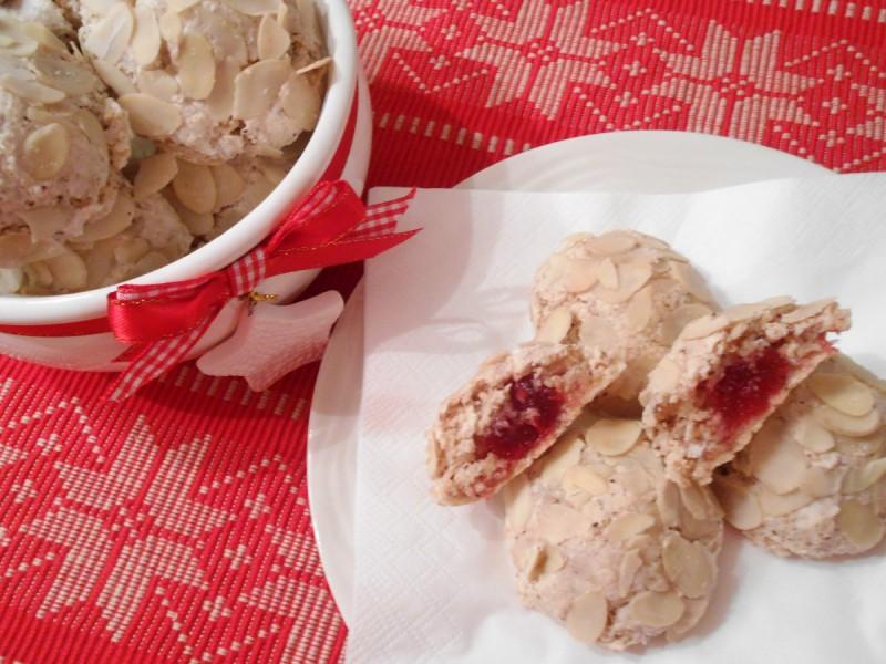 Пастичини - Колачи со бадеми