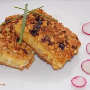 Филети од риба со пикантна кора од кикирики