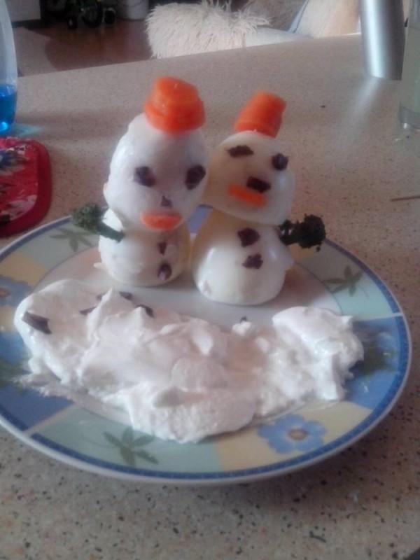 Снешковци од варени јајца