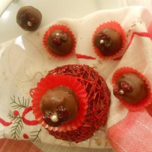 Топчиња со брусница и чоколадо