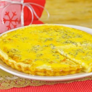 Видео рецепт: Киш пита со сино сирење