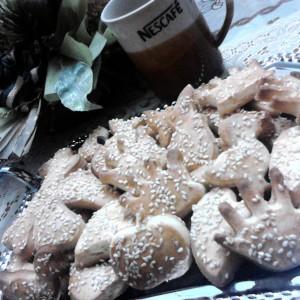 Делимано слатки колачиња со сусам