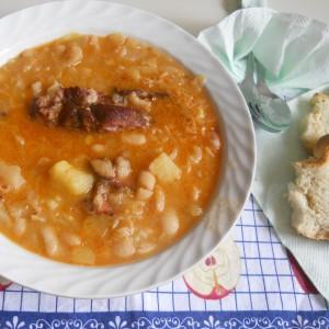 Jота - чорба со кисела зелка, грав  и компир