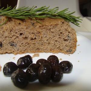 Интегрален леб со маслинки и рузмарин (рецепт за пекач)
