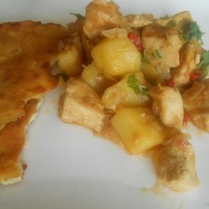 Компир - пилешко со кари