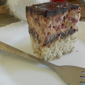 Посна брусница торта
