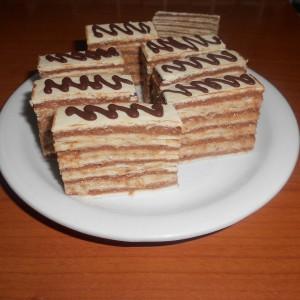 Двобојна розен торта