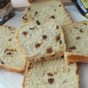 Неделен сладок леб со суво грозје (рецепт за пекач)