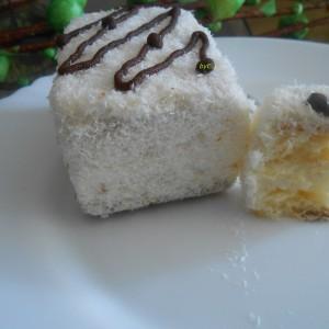 Кокос колачи со кисела павлака