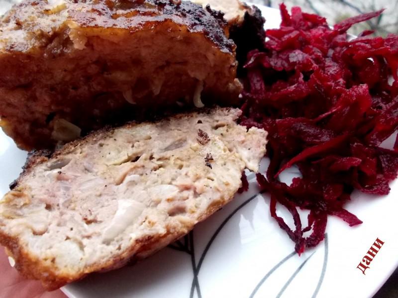 Ролат од месо со кисела зелка