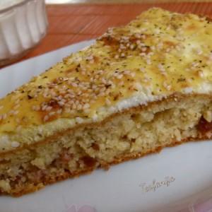 Брза пита со грахам брашно, колбас и сирење