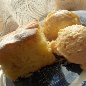 Путер колач со јогурт и јаболка
